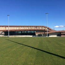 Bernard Barugola sports center - Grans